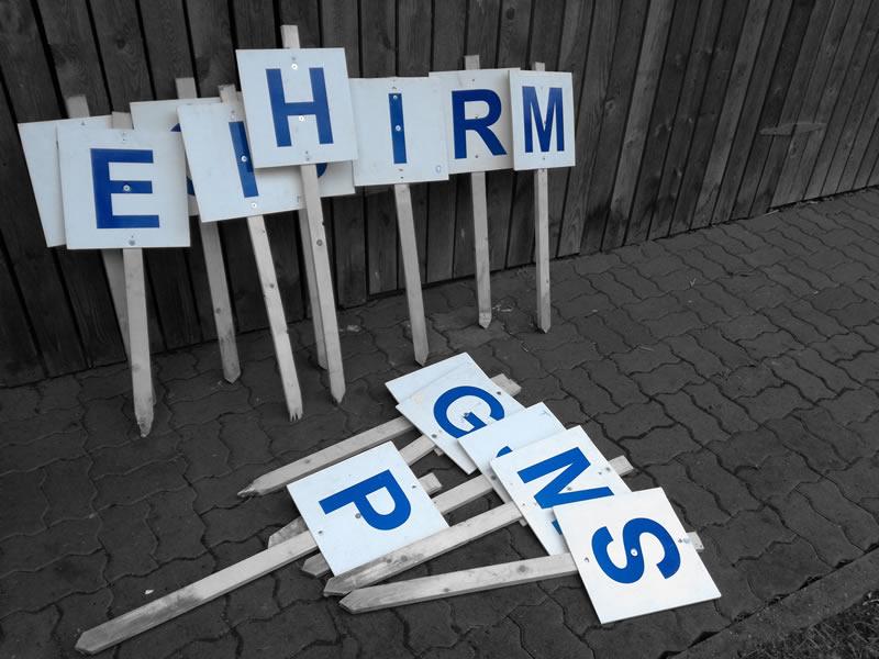http://www.seiklusministeerium.ee/public/ajutine/t2hised_metsa_autoorienteerumine_seiklusministeerium.jpg